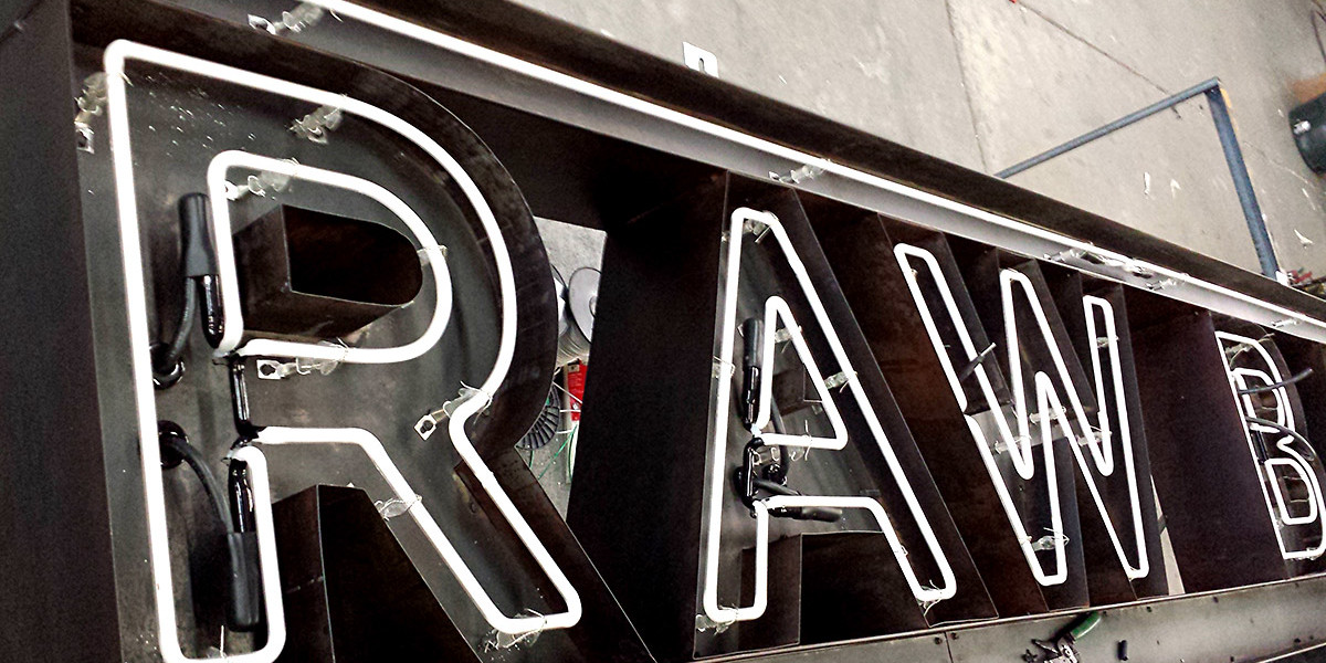 RAW-BAR-BLACKEND-STEEL-FABRICATED-LETTERS-WITH-EXPOSED-NEON