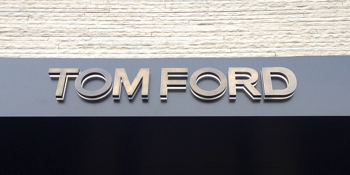 TOMFORD-OXIDIZED-BRASS-LETTERS-BACKLIT