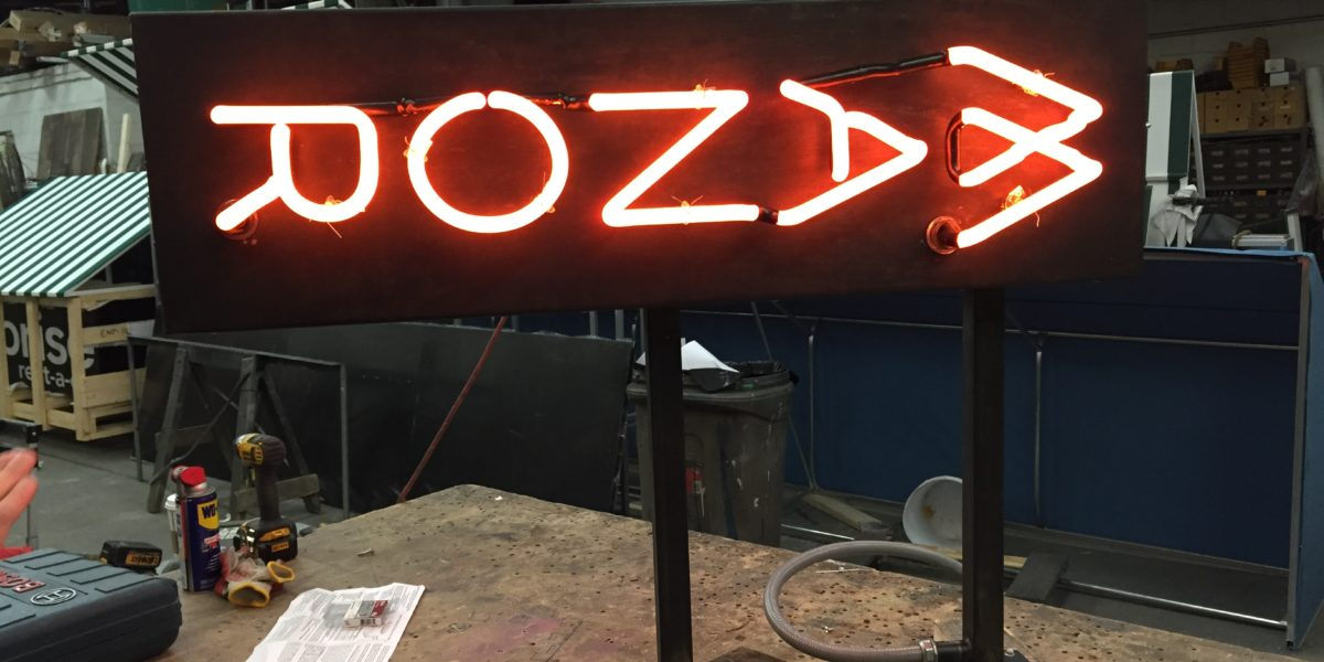 CUSTOM NEON SIGNS - Sign Select
